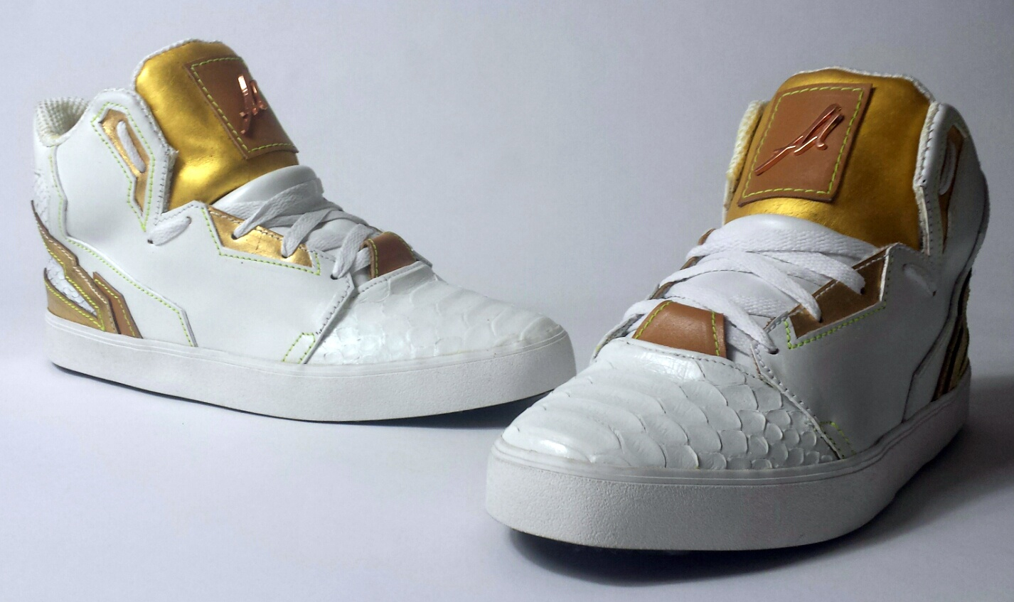 "Amazing Sneakers custom ""Superstar Gold"" by Alain Mukendi !"